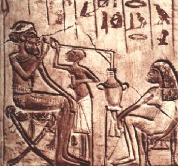 Древние египтяне пьют пиво